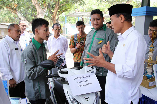 Prodi Pendidikan Teknik Elektro UNIPMA Raih Juara II dalam Lomba TTG Pemkot Madiun