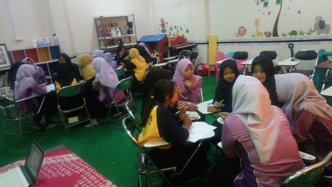 Kegiatan PKKMB Program Studi Pendidikan Guru Pendidikan Anak Usia Dini Universitas PGRI Madiun