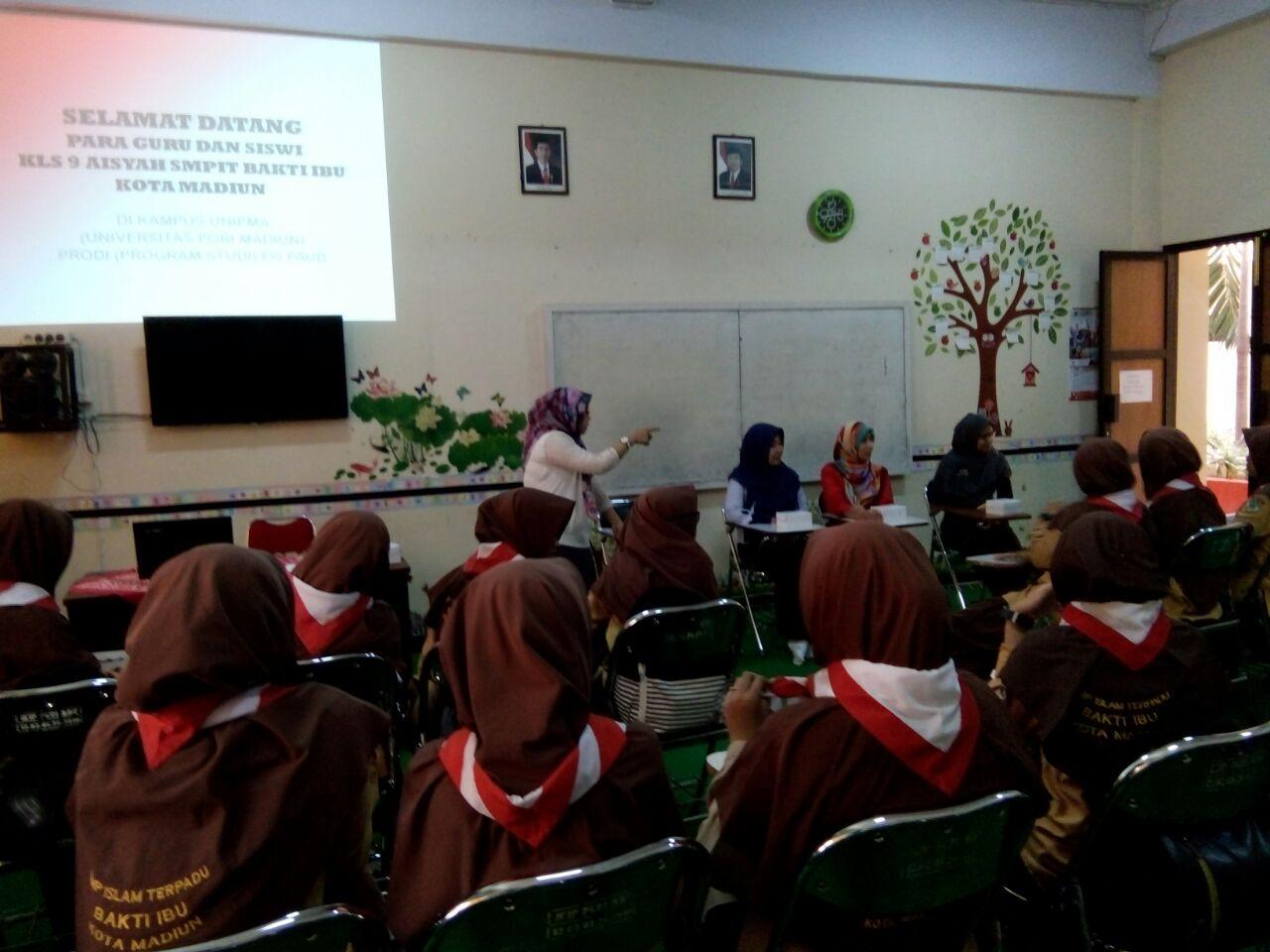 Sambutan Ketua Program Studi Pendidikan Guru Pendidikan Anak Usia Dini Universitas PGRI Madiun dalam acara Kunjungan Guru dan Siswa SMPIT Bakti Ibu Kota Madiun