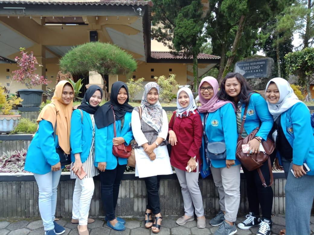 Kegiatan Kuliah Kerja Lapangan di Balai Pelayanan Sosial Tresna Wredha Yogyakarta