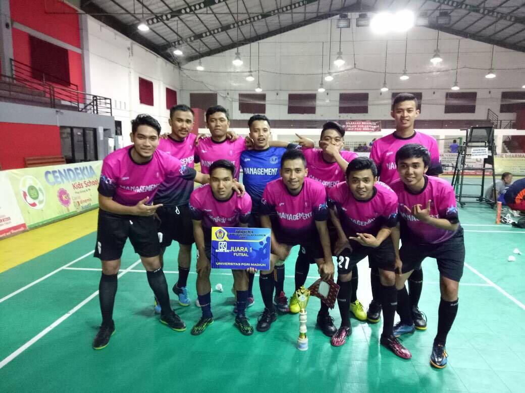 Mahasiswa Prodi Manajemen Memperoleh Juara I Lomba Futsal dalam Pekan Olah Raga dan Seni (PORSEMA) UNIPMA 2017