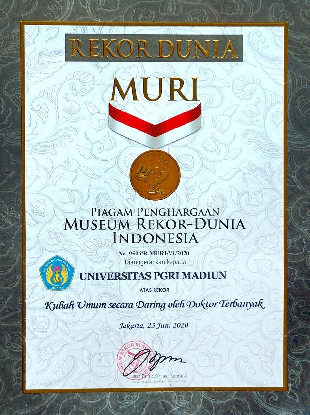 Universitas PGRI Madiun Raih Penghargaan REKOR MURI Indonesia